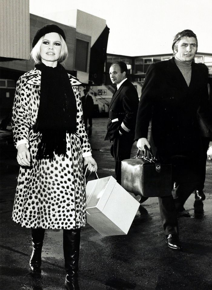 French wear leopard print: Brigitte Bardot in leopard-printed coat