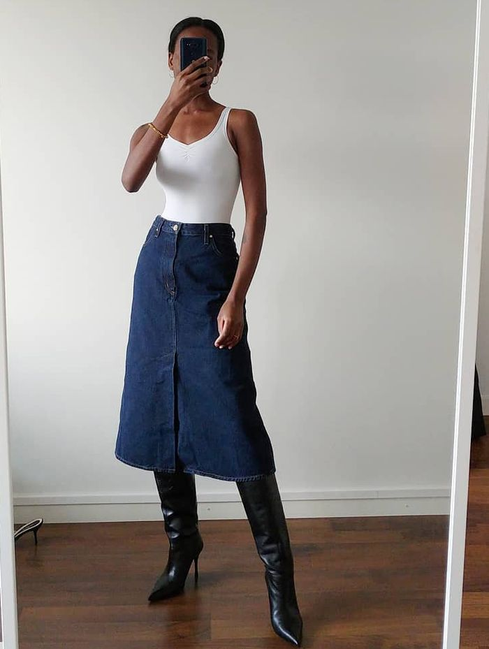How to wear a denim skirt and boots