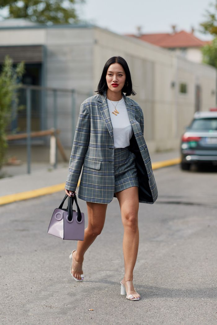 What Colors Go With Gray: Tiffany Hsu Street Style