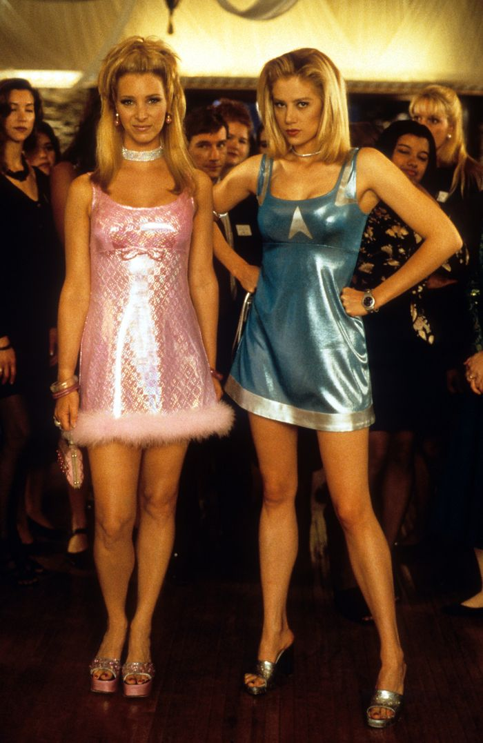 Pop culture costumes for best friends