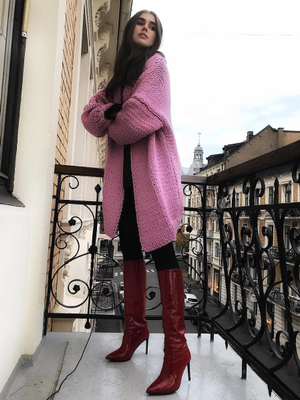 The 2018 Sweater Trend It Girls Can't Stop Wearing