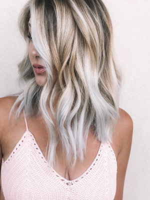 "Brunettes Take Note: ""Toasted Coconut"" Hair Is The New Way to Lighten Your Locks"