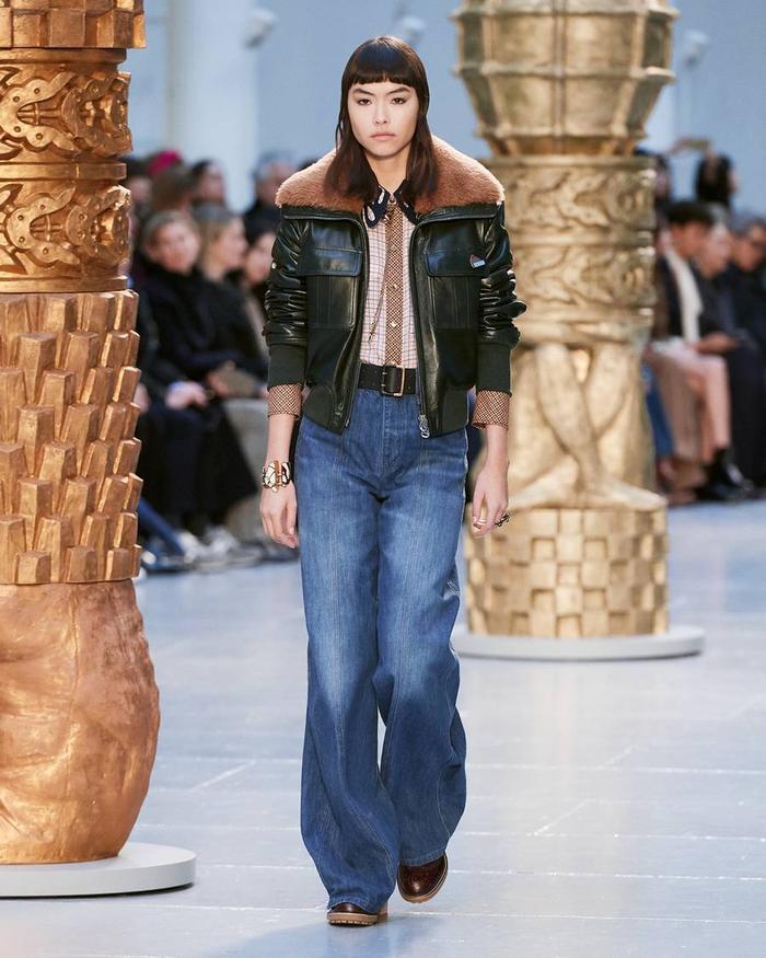 9 Effortless Ways to Wear Fall's Biggest Jeans Trend