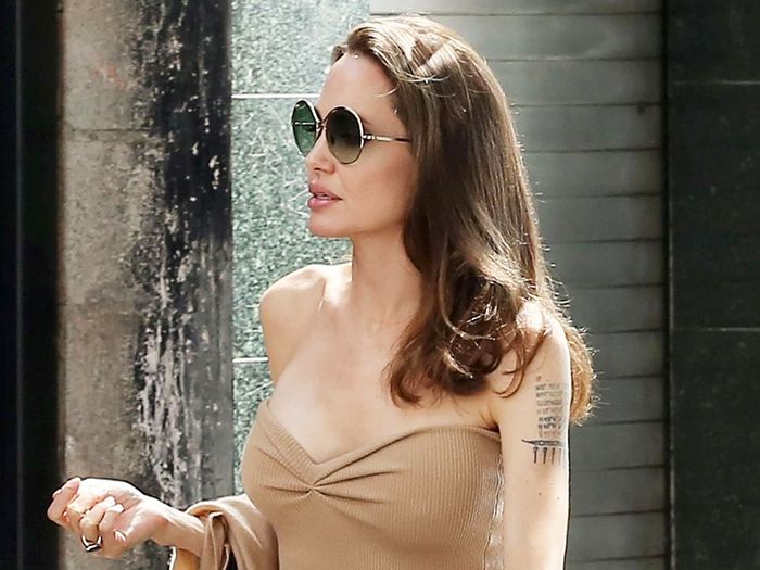 Angelina Jolie's Strapless Naked Dress and Naked Heels Couldn't Be Chicer