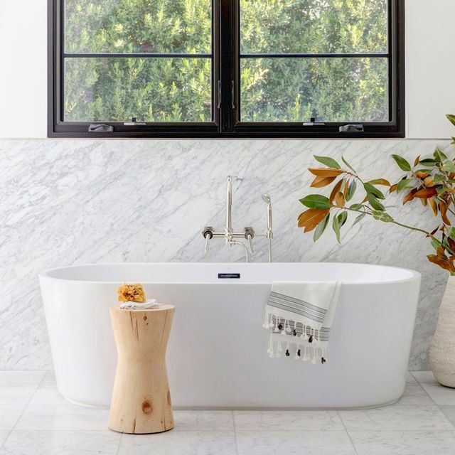 These 17 Modern Bathroom Décor Picks Will Make Your Space Feel Impossibly Chic