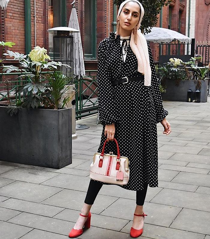 H&M modest fashion: Amira Khan wearing a H&M polka dot dress