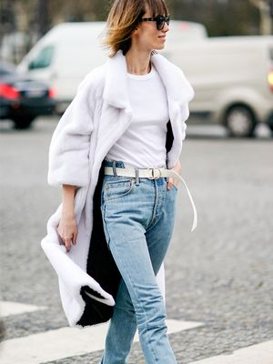 The Best White T-Shirts to Wear With High-Waisted Jeans