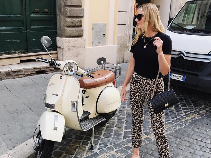 Leopard print pants: black T-shirt outfit