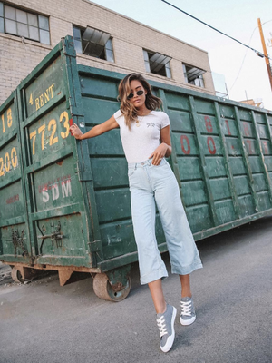 Put Your Skinnies Away—We're Seeing This Denim Style Everywhere