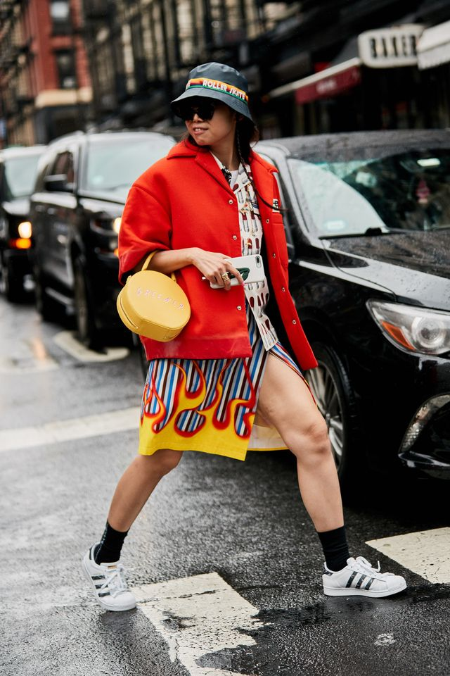 What to wear with red