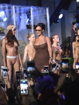 Surprise: This Model Reportedly Went Into Labour at Rihanna's Runway Show