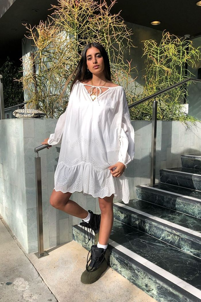 Dress-With-Sneakers Outfits