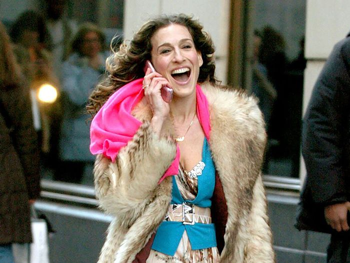 Carrie Bradshaw fall outfits: Carrie in fur coat