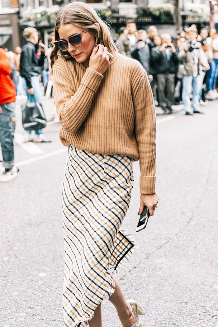 7 Slouchy Sweater And Skirt Outfits To Try Who What Wear