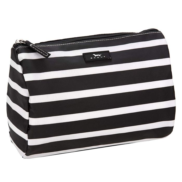 The 25 Best Travel Makeup Bags For