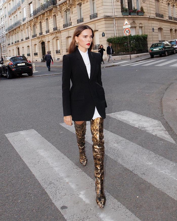 Paris boot trends: thigh-high