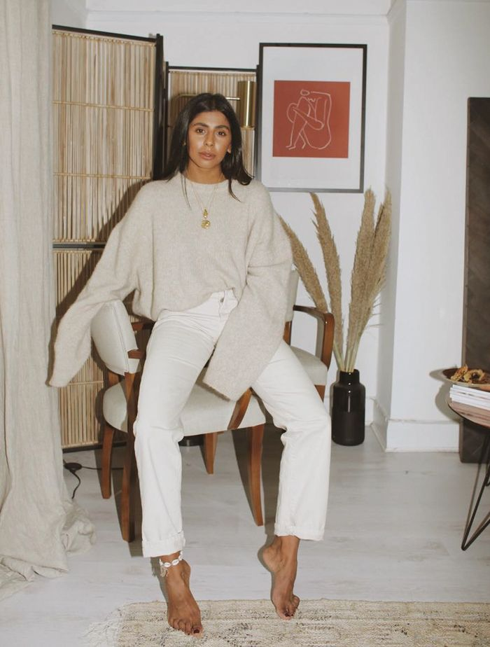 Jumper Outfits: Try a to-to-tow tonal combination like Monikh