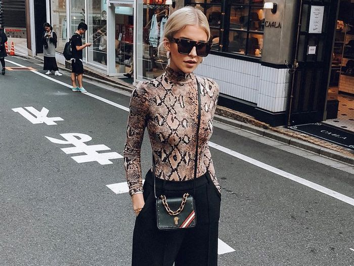 Printed Turtleneck Outfits