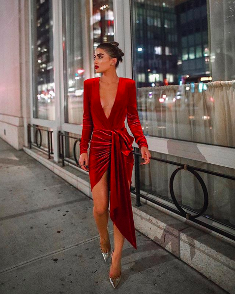 17 Long Sleeve Holiday Dresses To Wear For The Party Season