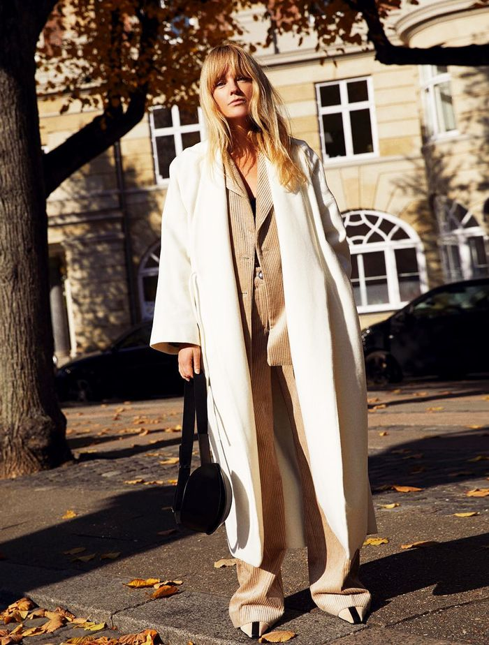 Mango Committed Coat: Jeanette Madsen expertly styles her Mango coat within a tonal ensemble.
