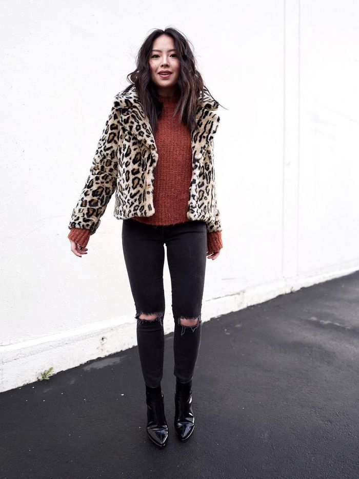 15 Winter Outfits With Black Jeans