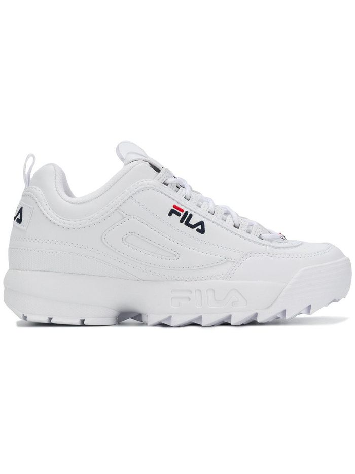 10 Fila-Sneaker Outfits Everyone Will