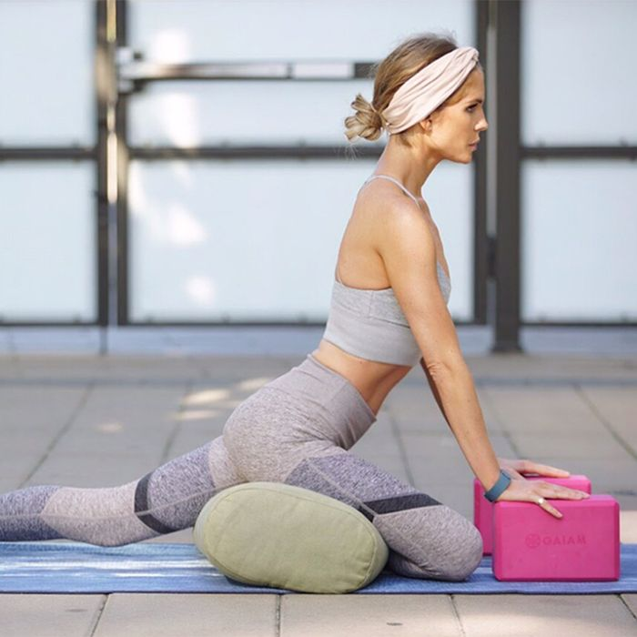 The 5 Best Stretches for Painful Hips