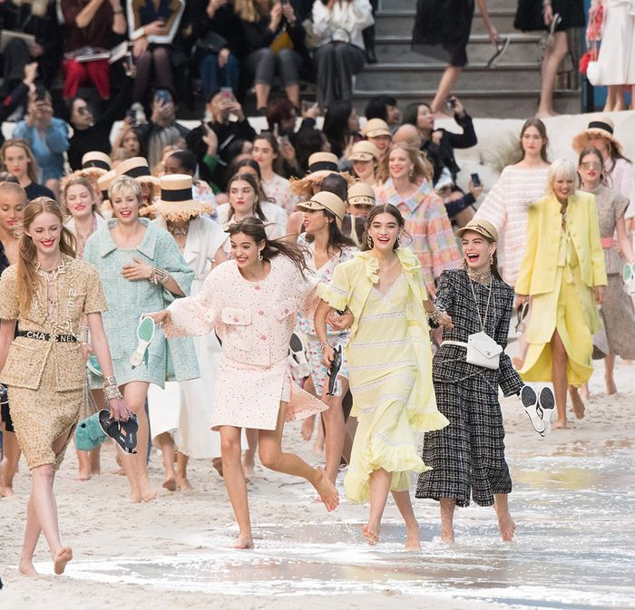 Spring summer 2019 fashion trends: Chanel's pastel-coloured looks on a fake beach in Paris