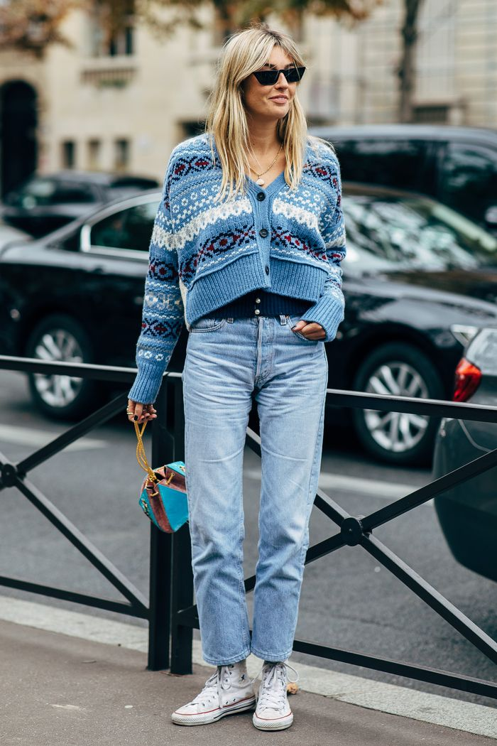 11 Cool Mom,Jean Outfits to Try This Winter