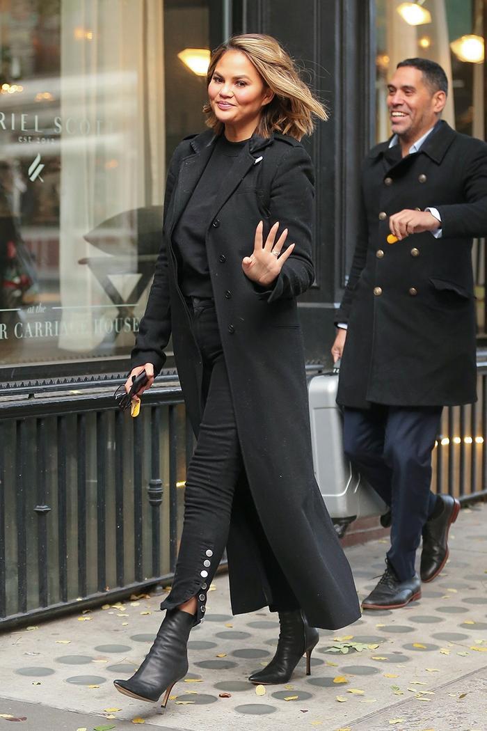 Chrissy Teigen skinny jeans