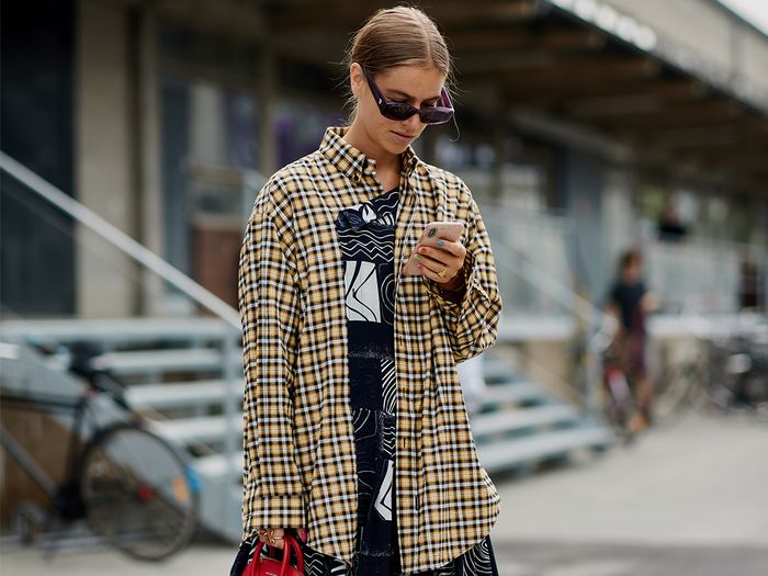 11 Cool Flannel Outfits That Look Nothing Like the Ones You Wore in High School