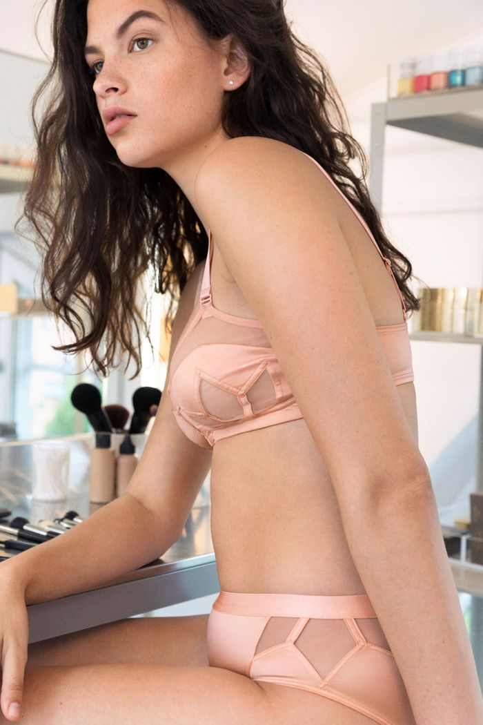 & Other Stories lingerie: model wearing nude bra