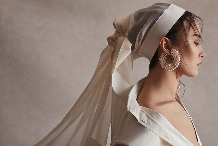 Bridal Jewelry Trends That Are In and Out in 2019