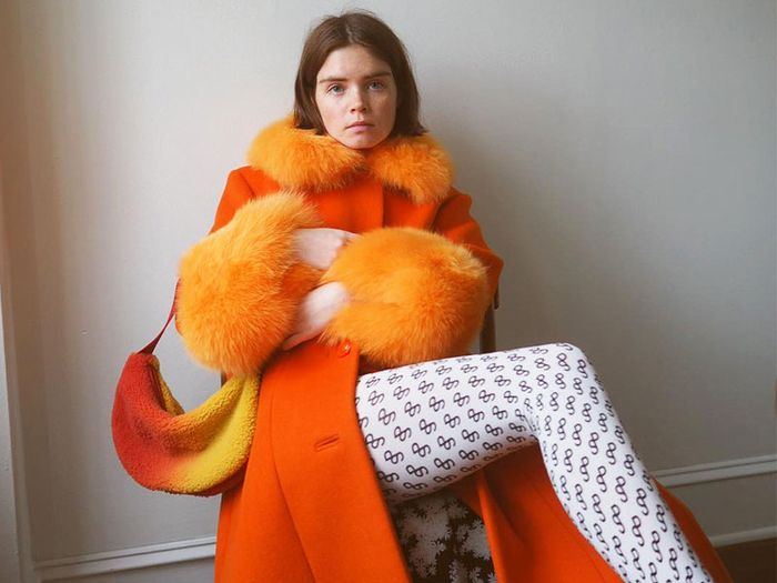 How to Wear Orange Trend