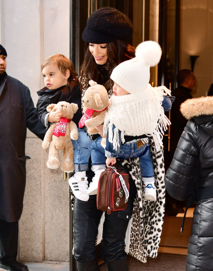 Amal Clooney Looks Chic With Her Twins Alexander And Ella