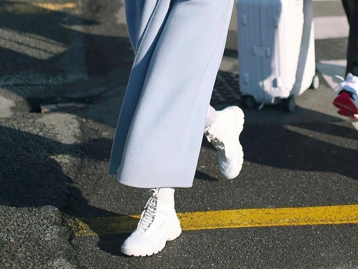 Airport shoe trends