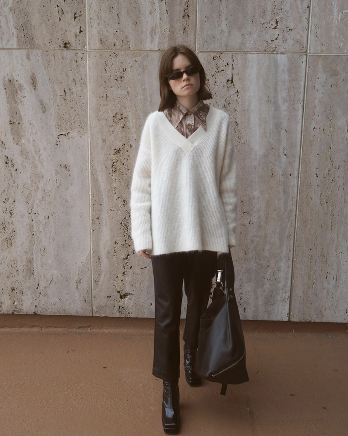 13 Ways Fashion Girls are Wearing White Sweater Outfits