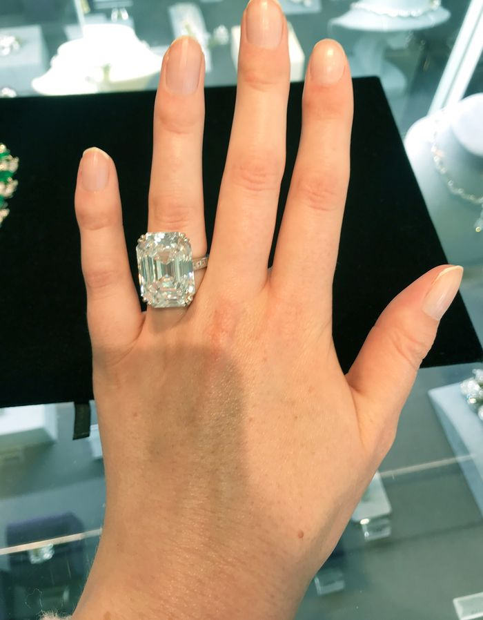 See What a 28-Carat Diamond Ring Looks Like