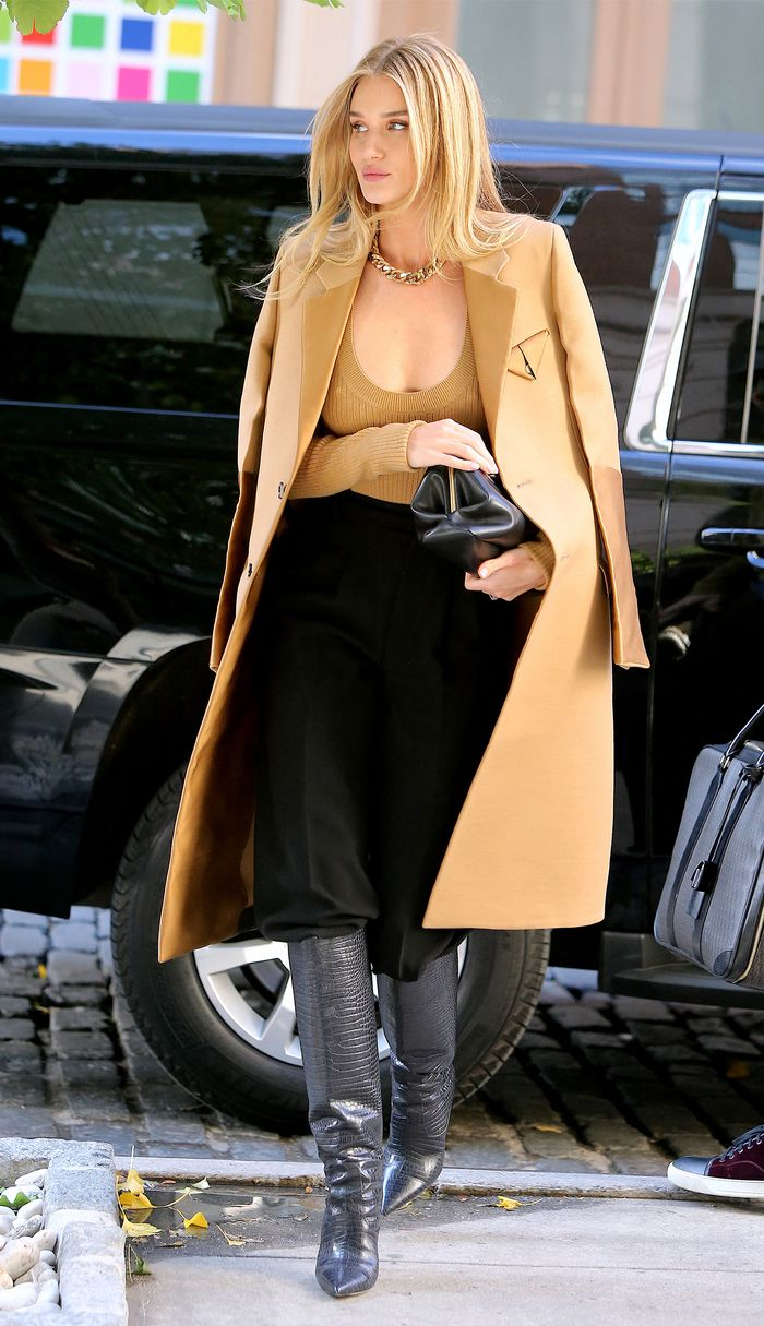 Simple Winter Outfit Ideas - Rosie Huntington-Whiteley