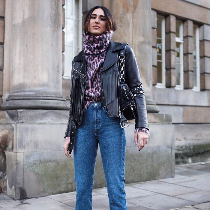 5 Winter Outfits Featuring Black Ankle Boots and Jeans | Who