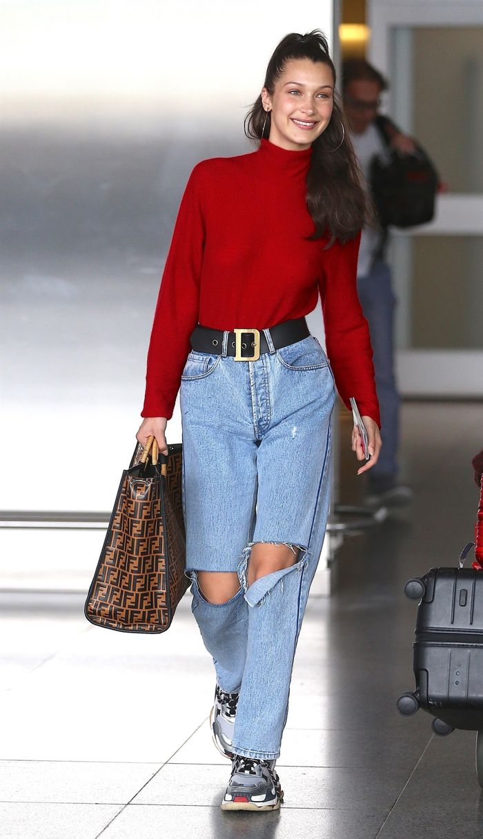 Stylish airport outfit ideas: Bella Hadid