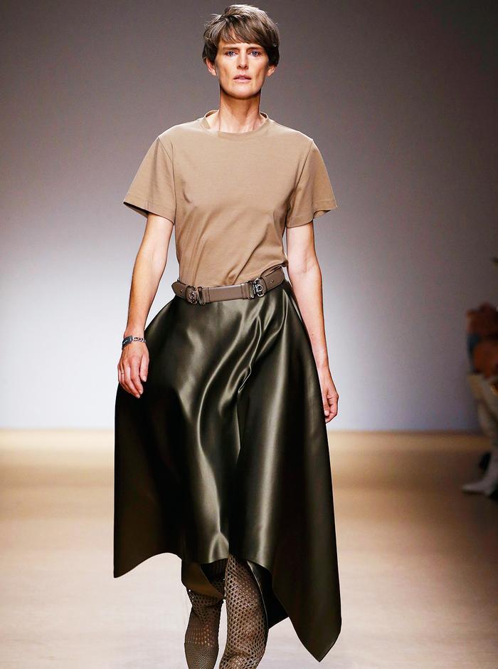Mature fashion influencers: Stella Tennant on Salvatore Ferragamo runway