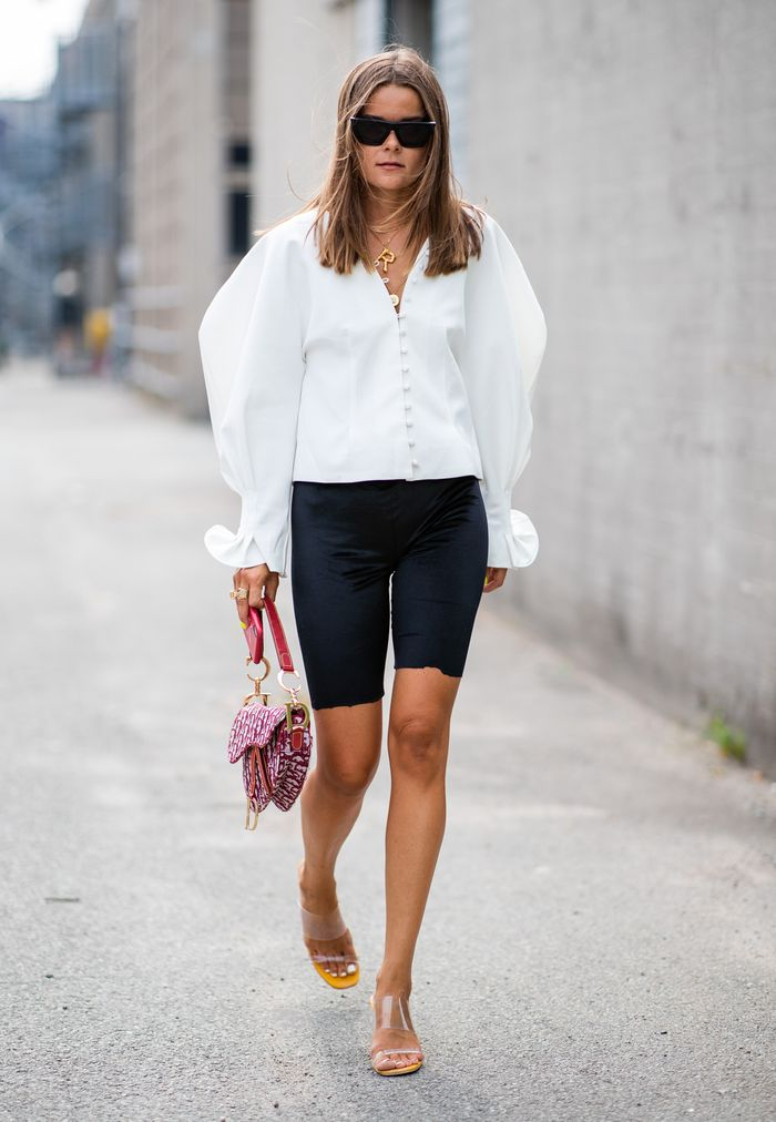 What to wear in spring 2019: white shirt and cycling shorts