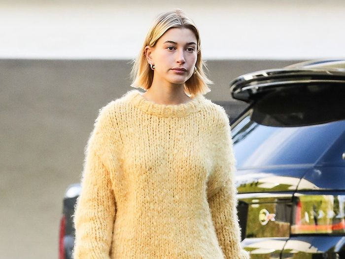 How Hailey Bieber Makes Sweatpants and Sneakers Look Chic: A Saga