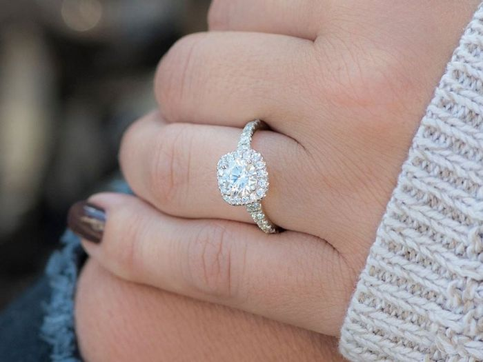 The Round Engagement iIng Trend Popular in 2019