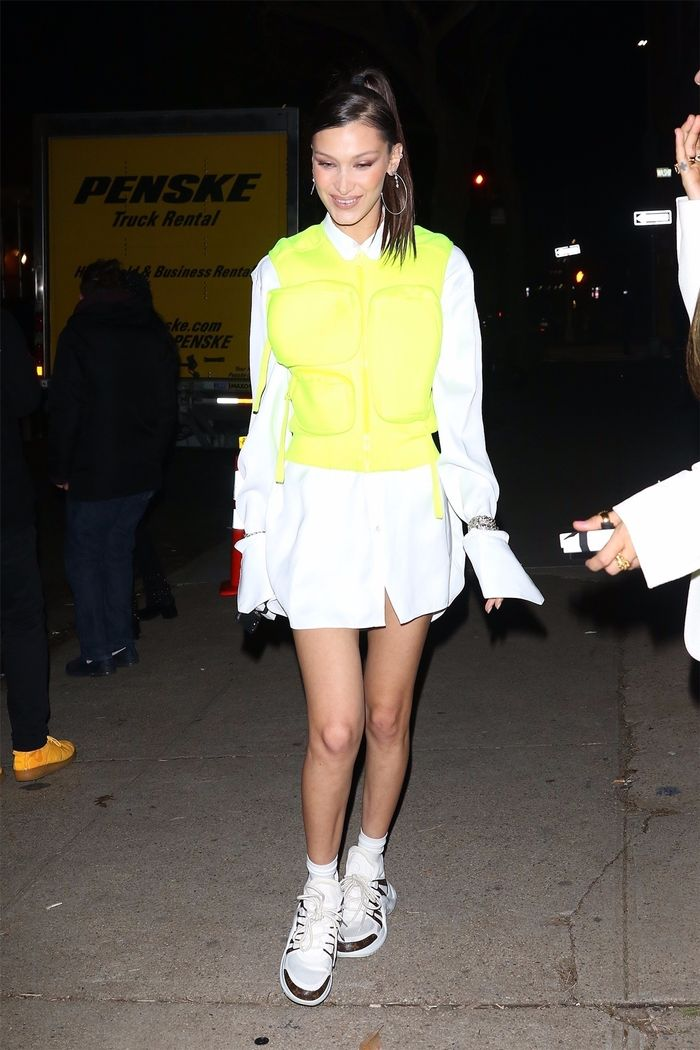 Bella Hadid neon trend