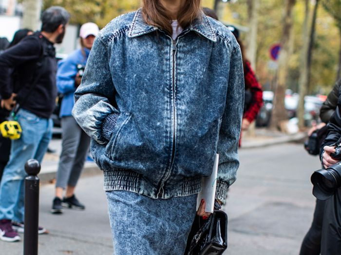 How Cool Girls Wear Acid Wash Jeans
