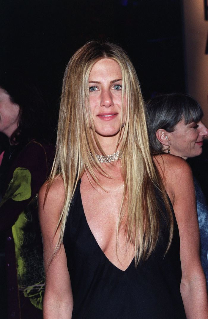 GHD Stylers: Jennifer Aniston with straight hair at the 2000 Oscars