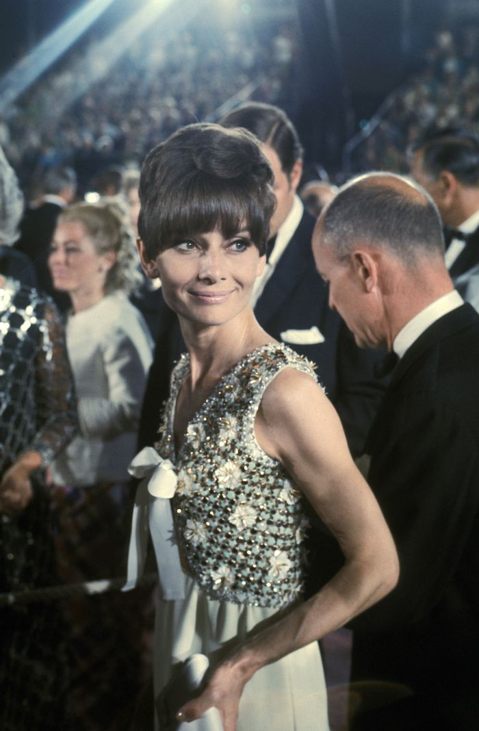 Philip Kingsley Elasticizer: Audrey Hepburn at the Academy Awards