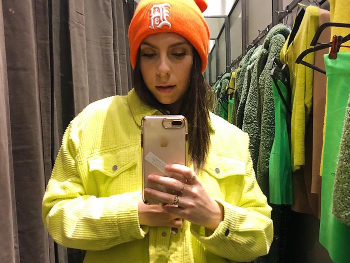zara crazy trends - neon